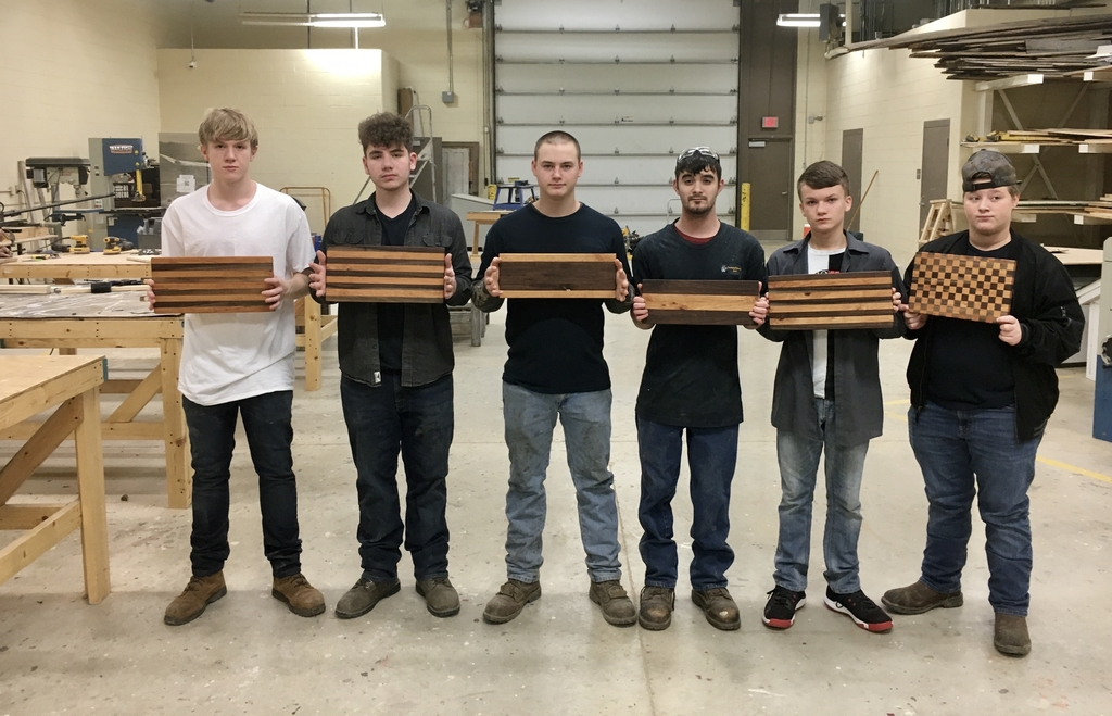 Jr. Construction Technology Students create cutting boards as Christmas gifts.