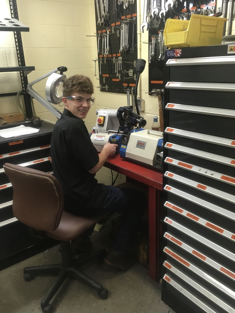 OVCTC Machine Shop sharpens drill bits.